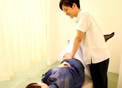 鳴門市鳴門坂口鍼灸整骨院:産後骨盤矯正の施術写真01
